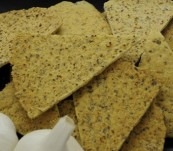 Sami's Bakery Low Carb Garlic Millet and Flax Pita chips